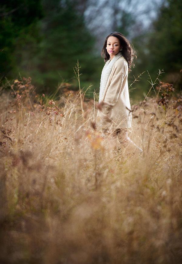 Tamara-Lackey-runner-upon-to-light-shaping-off-camera-flash1